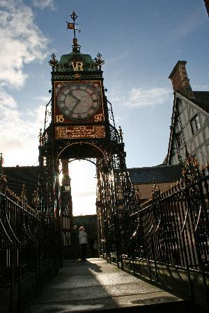 Brookside Hotel: Eastgate ClockClock