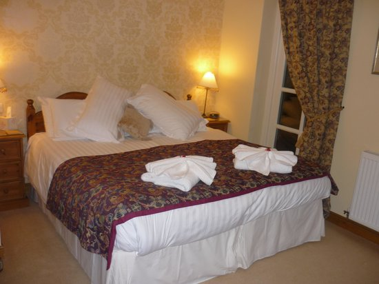 Crayke, UK: The bed in the minster view room