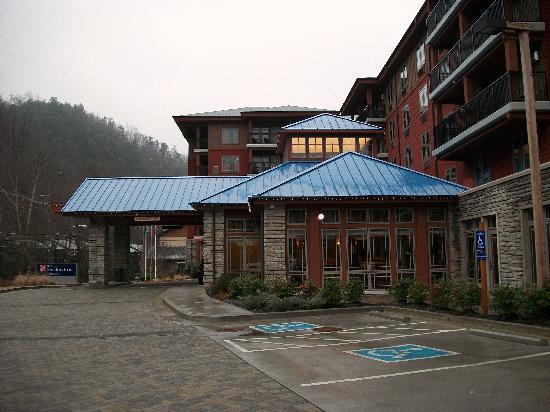 Hilton Garden Inn Gatlinburg Downtown: Front of the hotel