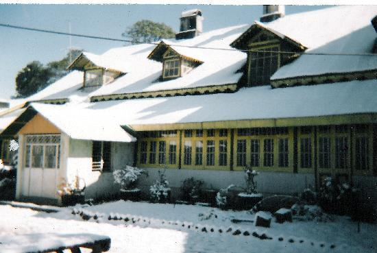 Olde Main Bellevue Heritage Hotel: Winter view 1
