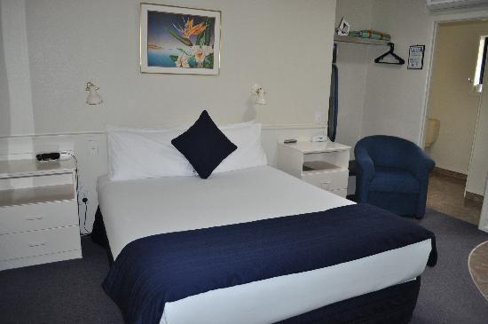 Acapulco Motor Inn: room