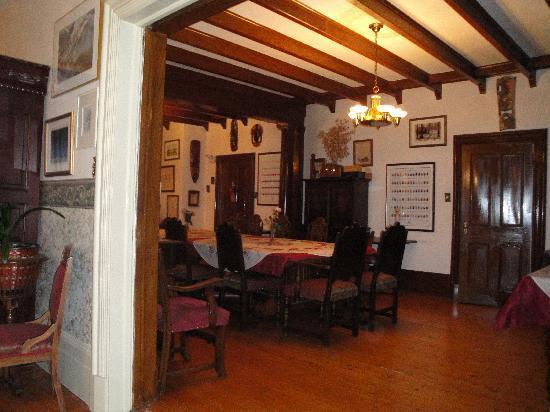 Auberge du Sault-a-la-Puce: SALLE DE REPAS