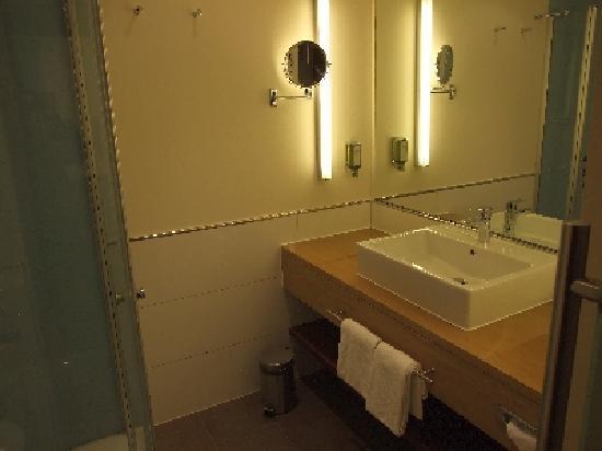 sehr sehr sch nes hotel aber leider f r mich nichts zum gut schlafen und tagen hotel. Black Bedroom Furniture Sets. Home Design Ideas
