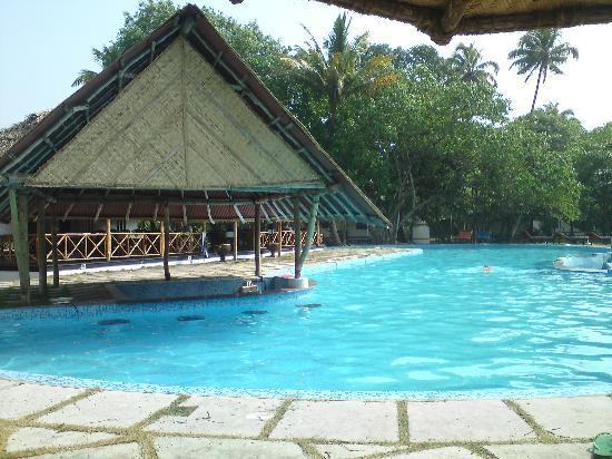 The Beach at Pollethai: swimming pool