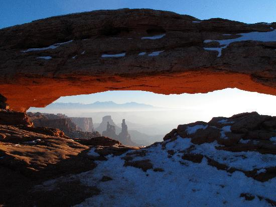 Γιούτα: Sunrise at Mesa Arch in Canyonlands