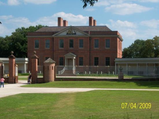 front entrance picture of north carolina history center tryon rh tripadvisor com