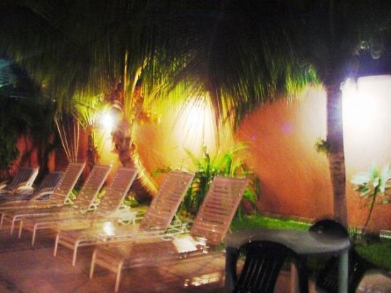 Summer Place Inn Image