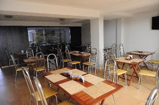 Hotel do Largo: Breakfast seating area