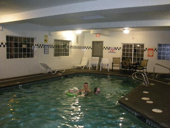 BEST WESTERN Oak Meadows Inn: large pool