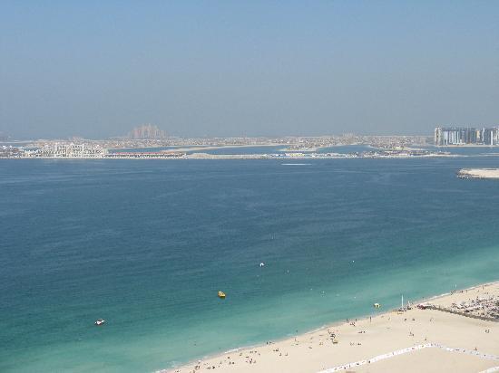 Sofitel Dubai Jumeirah Beach: View from the room to the Palm Jumeirah
