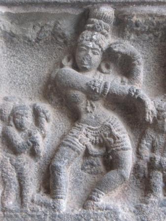 Настенные фрески в храме Танцующего Шивы