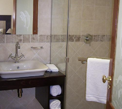 Blue Horizon Guest House: Bathroom
