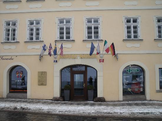 Haupteingang zum hotel picture of hotel roma prague for Hotel galileo prague tripadvisor