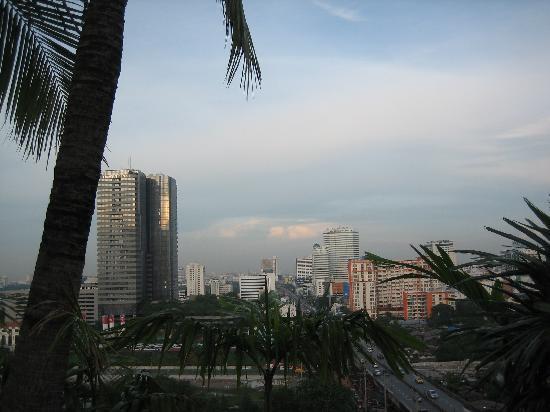 Grand Mercure Bangkok Fortune: Vue depuis la piscine