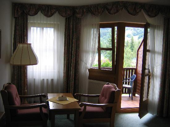 Kroneck Aschaber Hotel: Blick auf den Balkon