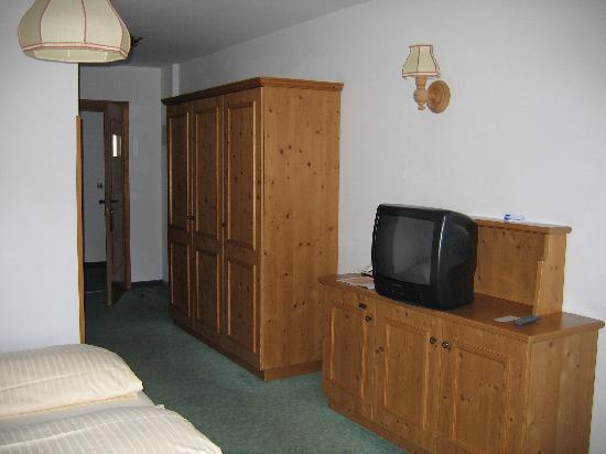 Kroneck Aschaber Hotel: Fernseher