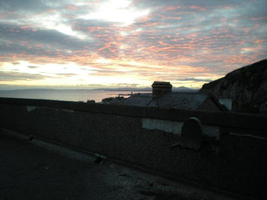 Marine Hotel: the lovely sunset over the wall but still no sea view......