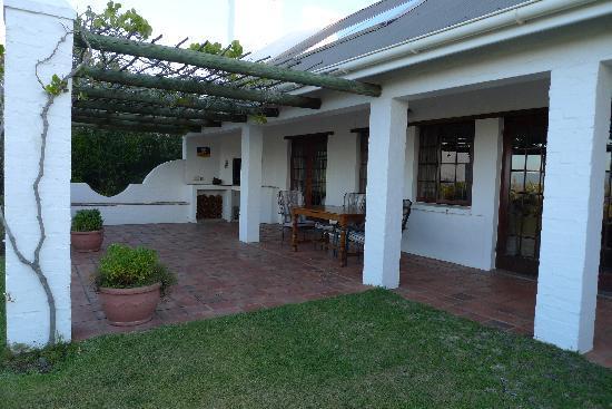 Fynbos Ridge Country House & Cottages: Gazania Cottage - Veranda