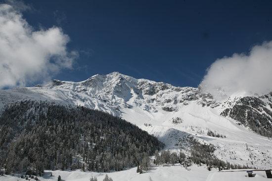 Solda, Italy: Blick vom Balkon auf die Bergwelt