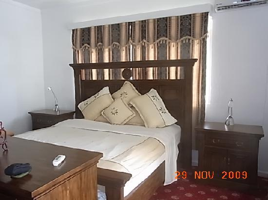The Sovereign Residence: Bedroom