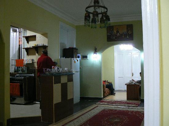 Egyptian Night Hotel: lobby and kitchen