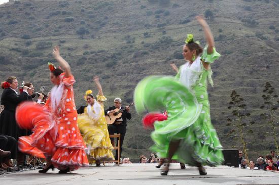 Flamenco in February at Sacromonte, a short walk from Rambutan.