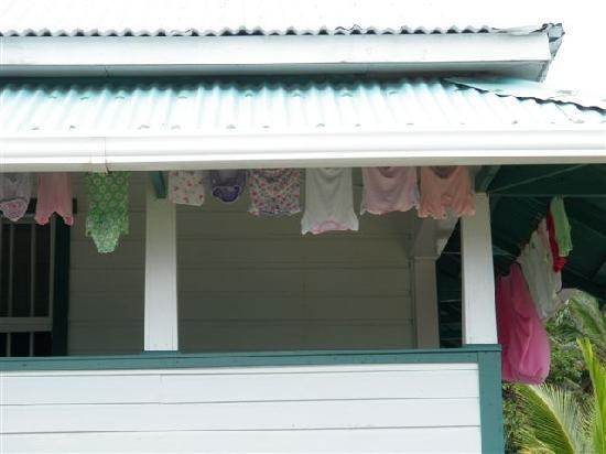 Mayan Princess Beach & Dive Resort: Laundry hanging...don't see this in the big city anymore