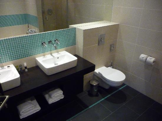 Red & Blue: Bathroom