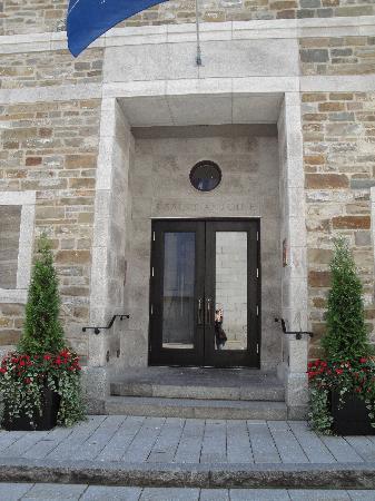 Auberge Saint-Antoine: ENTREE DE L'HOTEL