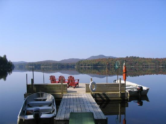 Shamrock Motel & Cottages: Our Docks on Long Lake