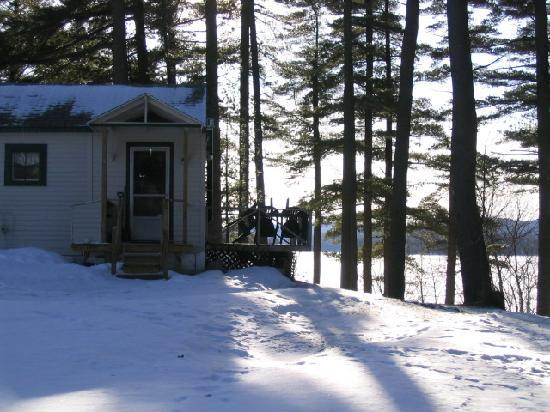 Shamrock Motel & Cottages: Open in winter for skiing, snowshoeing, Ice fishing, snowmobiling