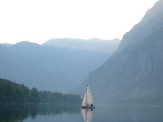 Lake Bohinj: A little sailing all by yourself on Bohinj