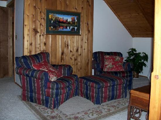 Ponderosa Country Inn : Master suite sitting area