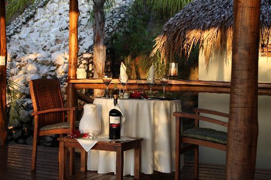 Los Altos de Eros: Dinner table at the spa