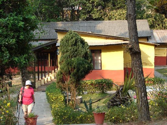 Nagarkot Cottage: Back to the commom area