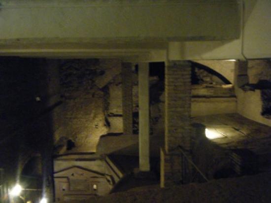 Catacombe San Sebastiano: catacombs