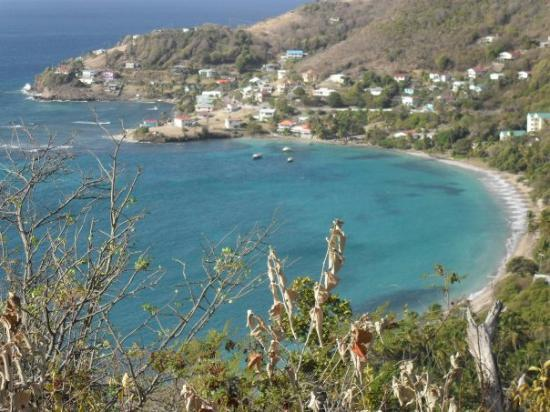 Bequia: view of Friendship bay from the top of the island