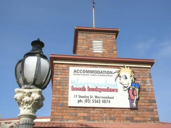 Warrnambool Beach Backpackers: The last night's stay on the Great Ocean Road