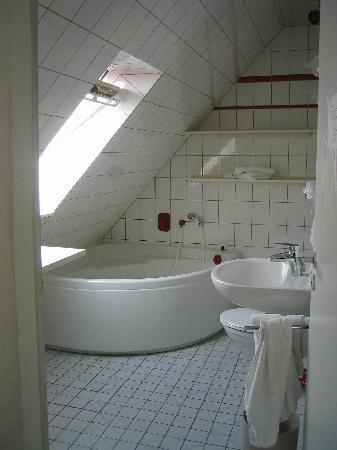 Kasseler Hof: bathroom
