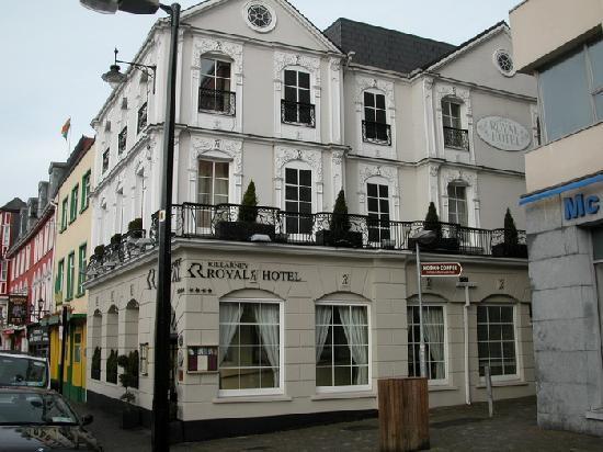Killarney Royal: Great location for walking into Killarney