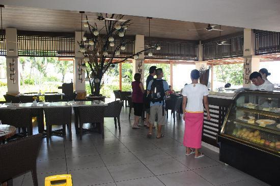 Amorita Resort: Not excited to go to Breakfast...