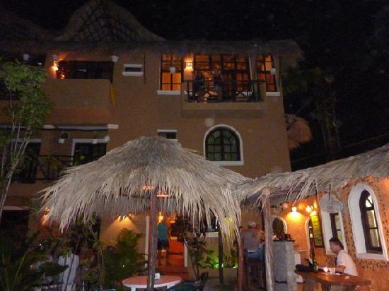Hotel el Rancho: Abend an der Bar