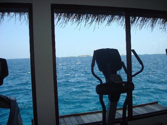 Centara Grand Island Resort & Spa Maldives : It's only 1 mile.
