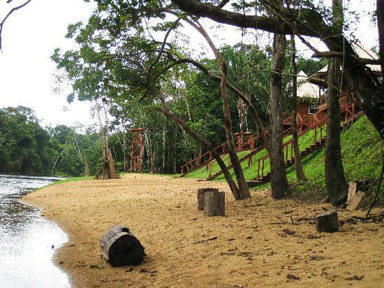 kabalebo rivier kabanas