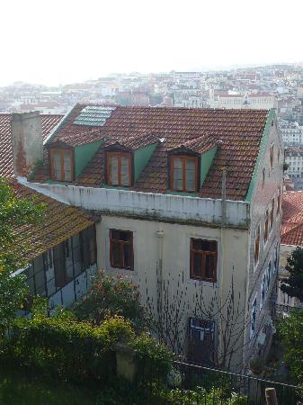 Casa Costa do Castelo: Hôtel vu du jardin
