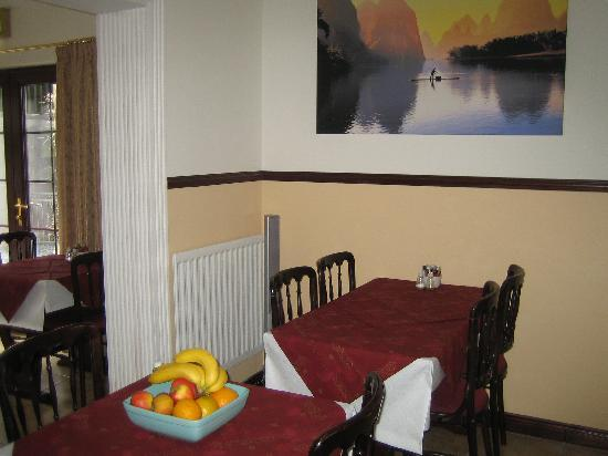 Down Royal House: Dinning Area