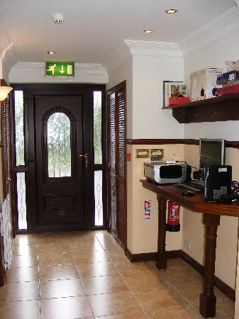 Down Royal House: PC and Printer for Guest