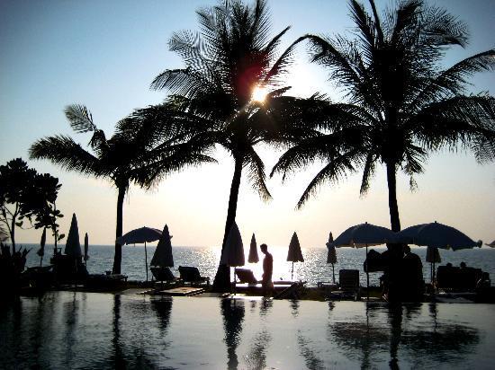 Lanta Casuarina Beach Resort: View from Pool