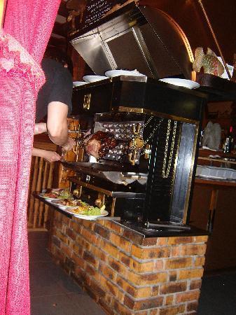 La viande r tie picture of maison rouge colmar for Restaurant la maison rouge colmar