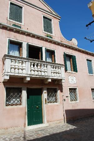 Domus Orsoni : la facciata del palazzo
